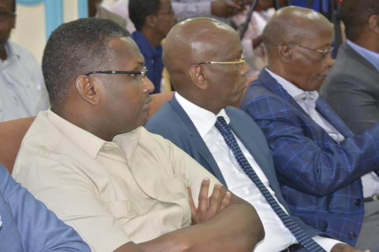 Sawiro: Beelaha Hawiye oo maanta caleemo saartay afhayeen cusub, Muqdisho