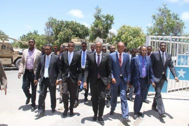 Wasiir ka tirsan DF Somalia oo mooshin laga gudbiyey