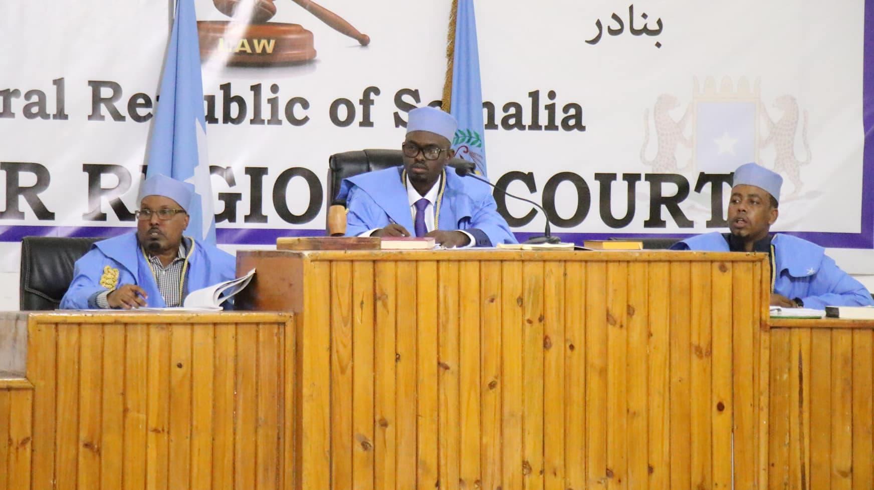 Xog: DF Somalia oo shaqada ka cayrisay 21 garsoore, qoratayna 23 garsoore