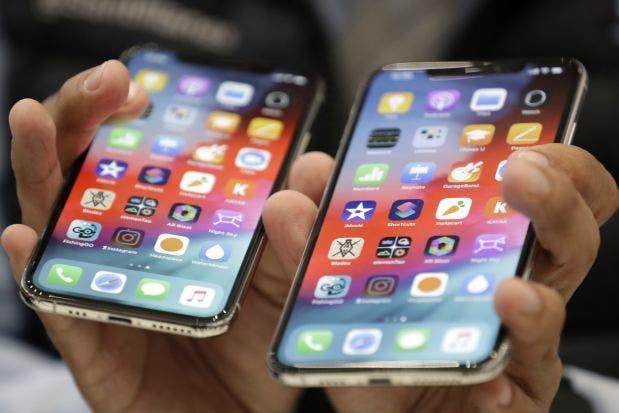 Sawirro: Shirkadda Apple oo shalay soo saartay 3 teleefon iPhone oo cusub