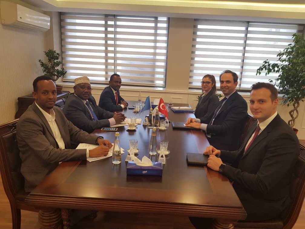 Sawirro: Somalia iyo Turkey oo dhaqan-gelinaya heshiis la saxiixday 2 sano ka hor