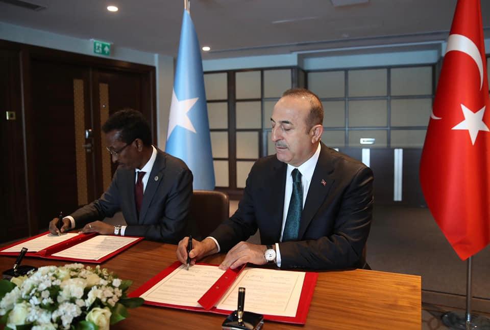 Sawirro: Somalia iyo Turkey oo kala saxiixday heshiis cusub oo taariikhi ah