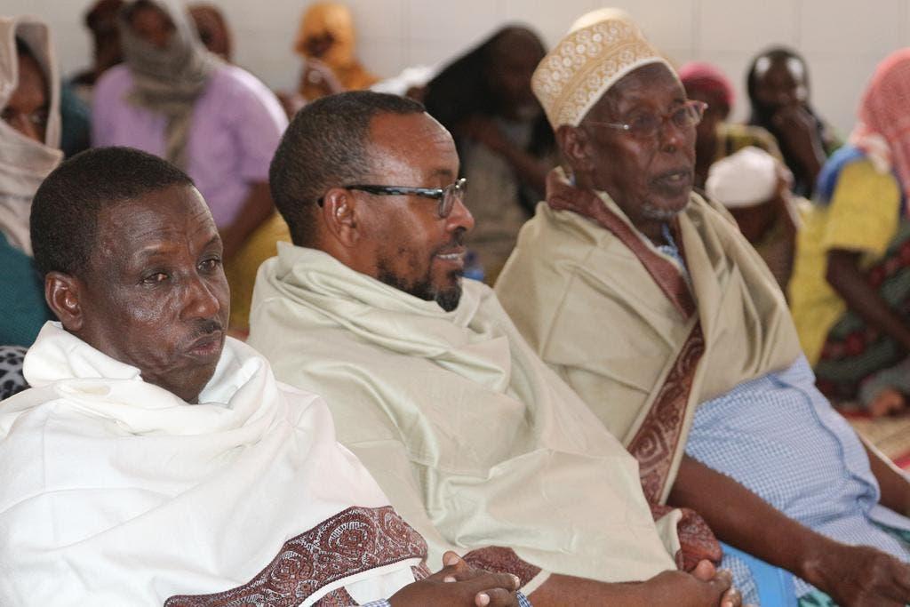 Arag Sawirro: Al-Shabaab oo odayaal cafis u doontay ku soo bandhigay Xarardheere