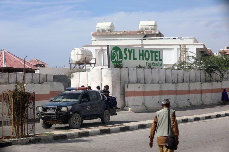 Xog: Sidee Al-Shabaab ugu suurta gashay inay galaan Hotel SYL, maxaase kadib dhacay?