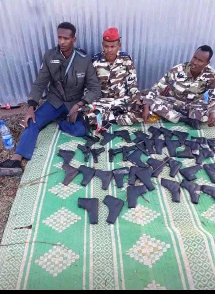 Sawirro: 40 bastoolad iyo raggii watay oo lagu qabtay xuduuda Somalia iyo Itoobiya
