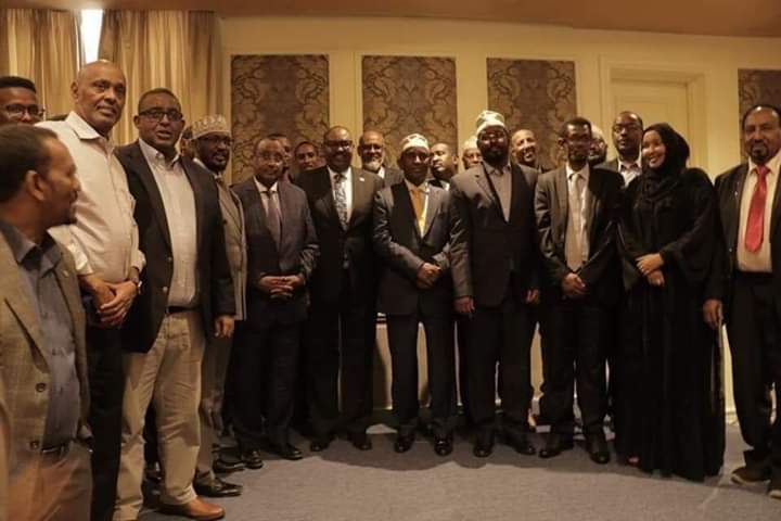 Deni, Axmed Madoobe iyo siyaasiyiinta mucaaradka oo ku kulmay Nairobi + Sawirro