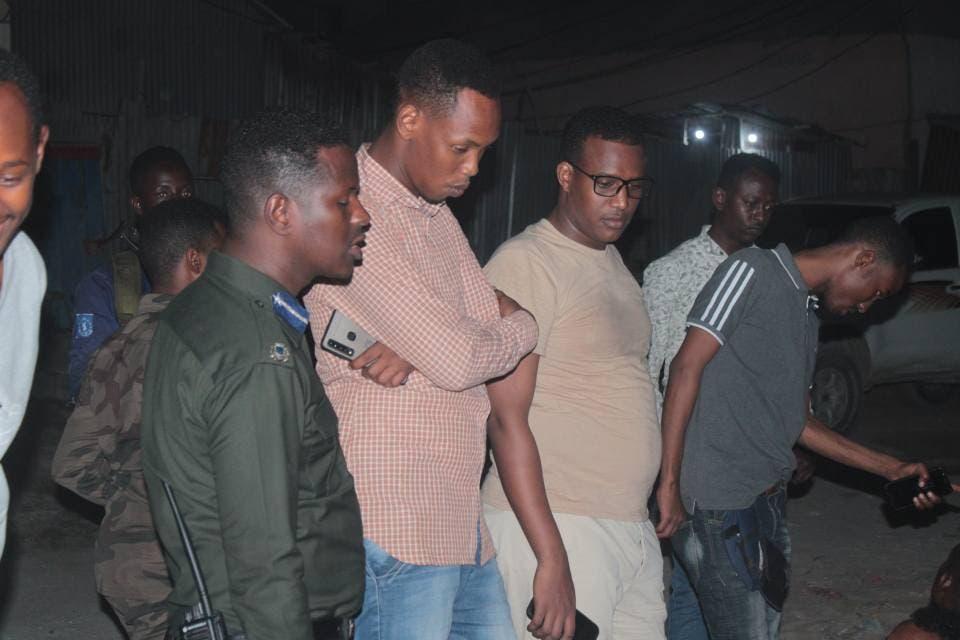 Sawirro: Dhallinyaro lala xiriirinayo Shabaab oo lagu qabtay degmada WADAJIR