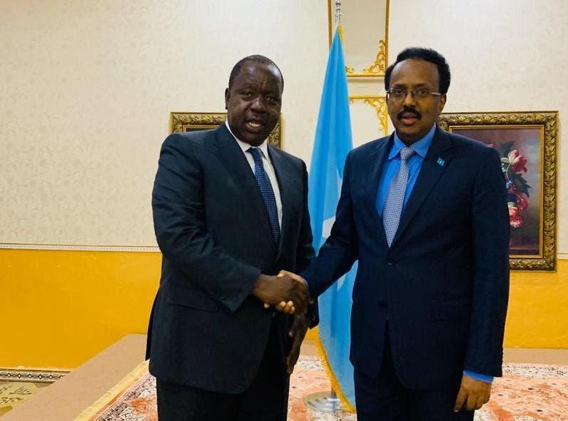 Madaxweyne Farmaajo oo aqbalay marti qaad Uhuru uga yimid iyo war laga soo saaray kulankii V/Somalia