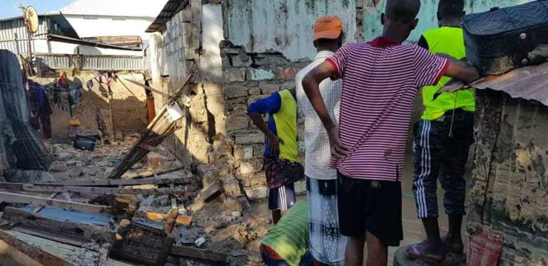 5 members of family die as house collapses in Mogadishu following heavy rains