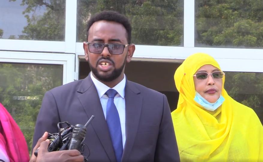 Senataro taageersan Villa Somalia oo kulankii Aqalka Sare ee maanta bannaday
