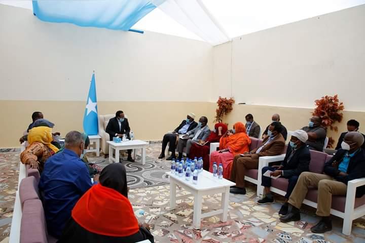 Bulshada Rayidka oo si weyn u beeniyey war ay faafisay Villa Somalia