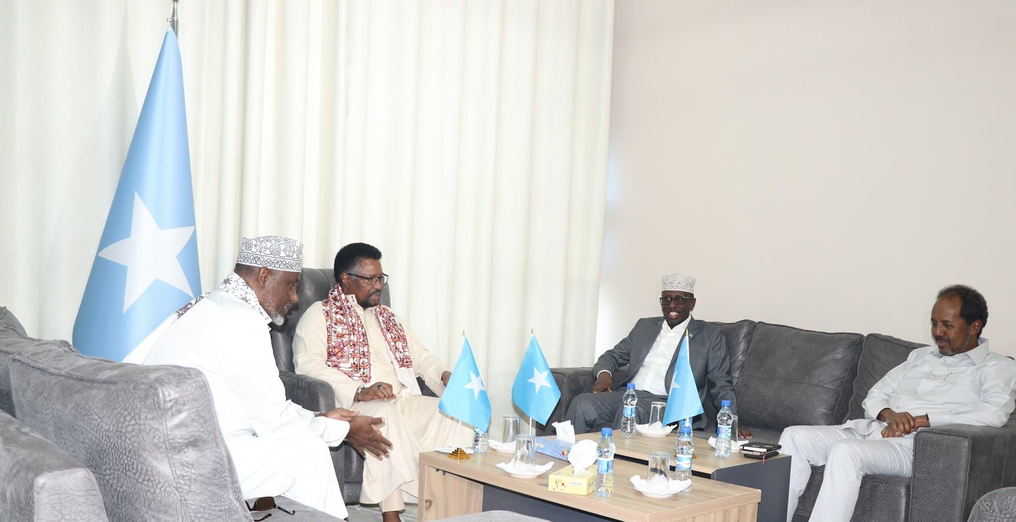 Maxay tahay sababta shirka dambe ee Dhuusomareeb looga reebay guddoonka BF Somalia iyo mucaaraadka?