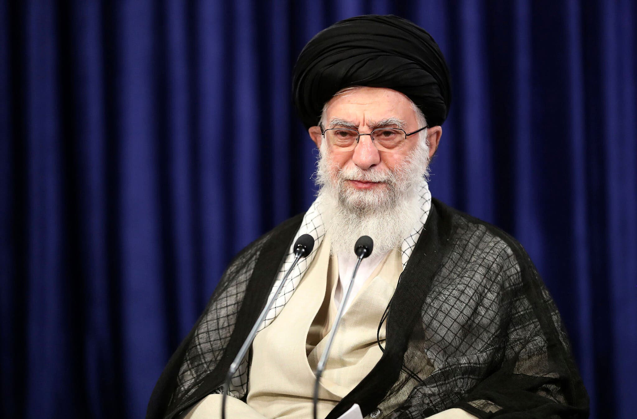 Ayatollah Ali Khamenei: Imaaraadka waxaa raacday ceeb aan abid ka hari doonin