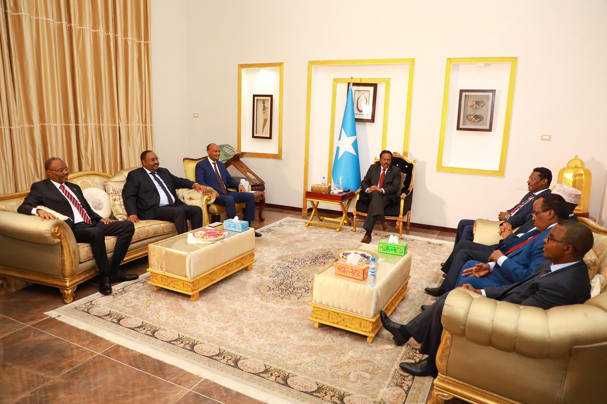 Shir Villa Somalia uga socda Farmaajo iyo madax goboleedyada iyo arrimo xal laga gaarayo