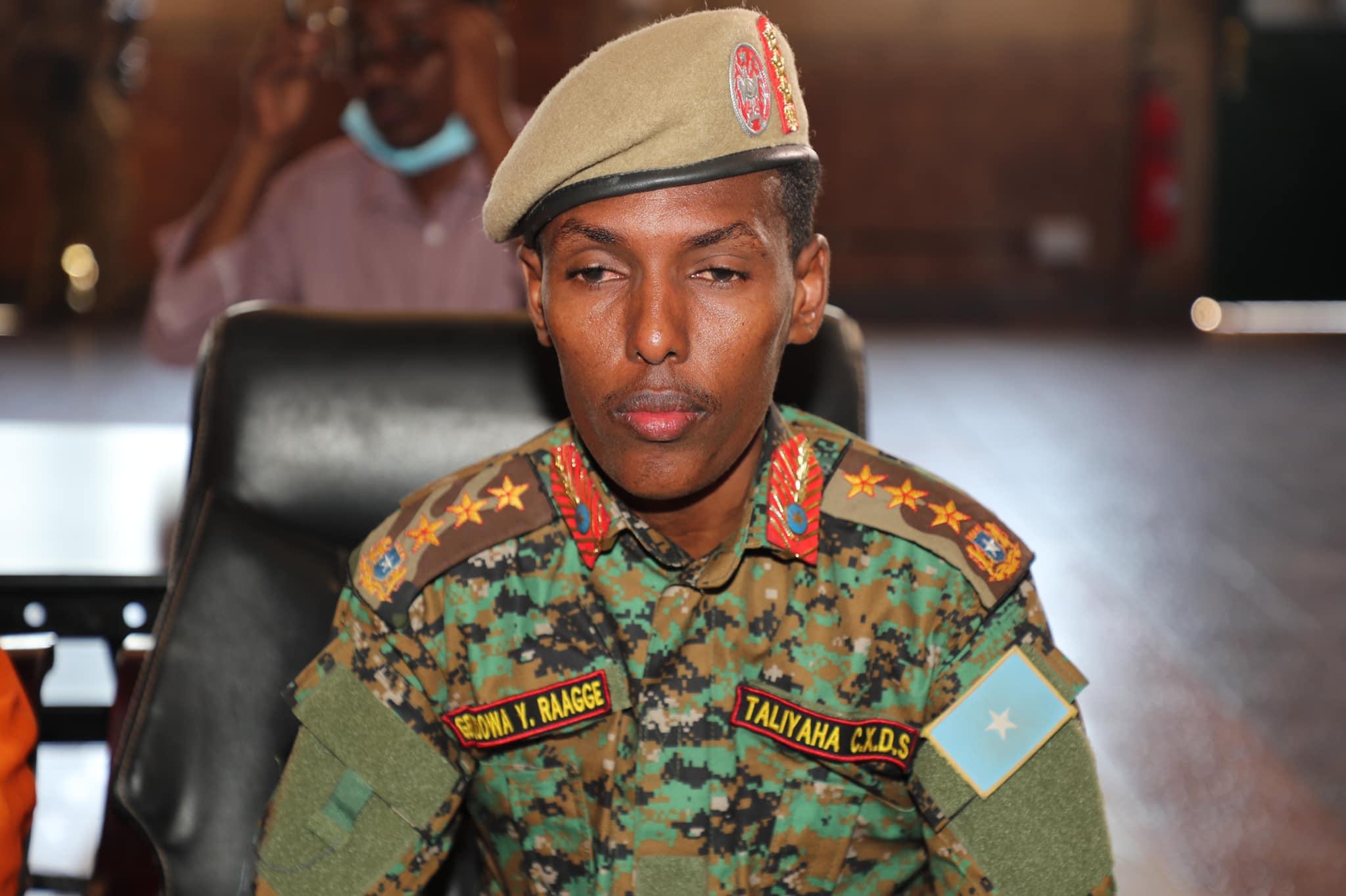 Jeneral Odowaa oo xika ka qaaday taliye sare + Sababta