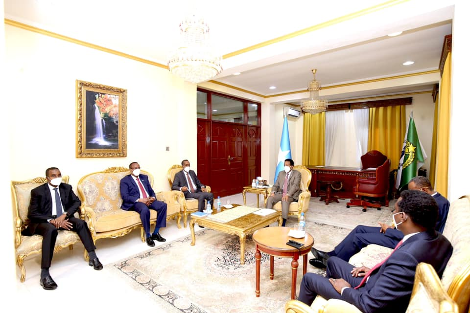 Sawirro: Villa Somalia oo war kasoo saartay shirkii maanta