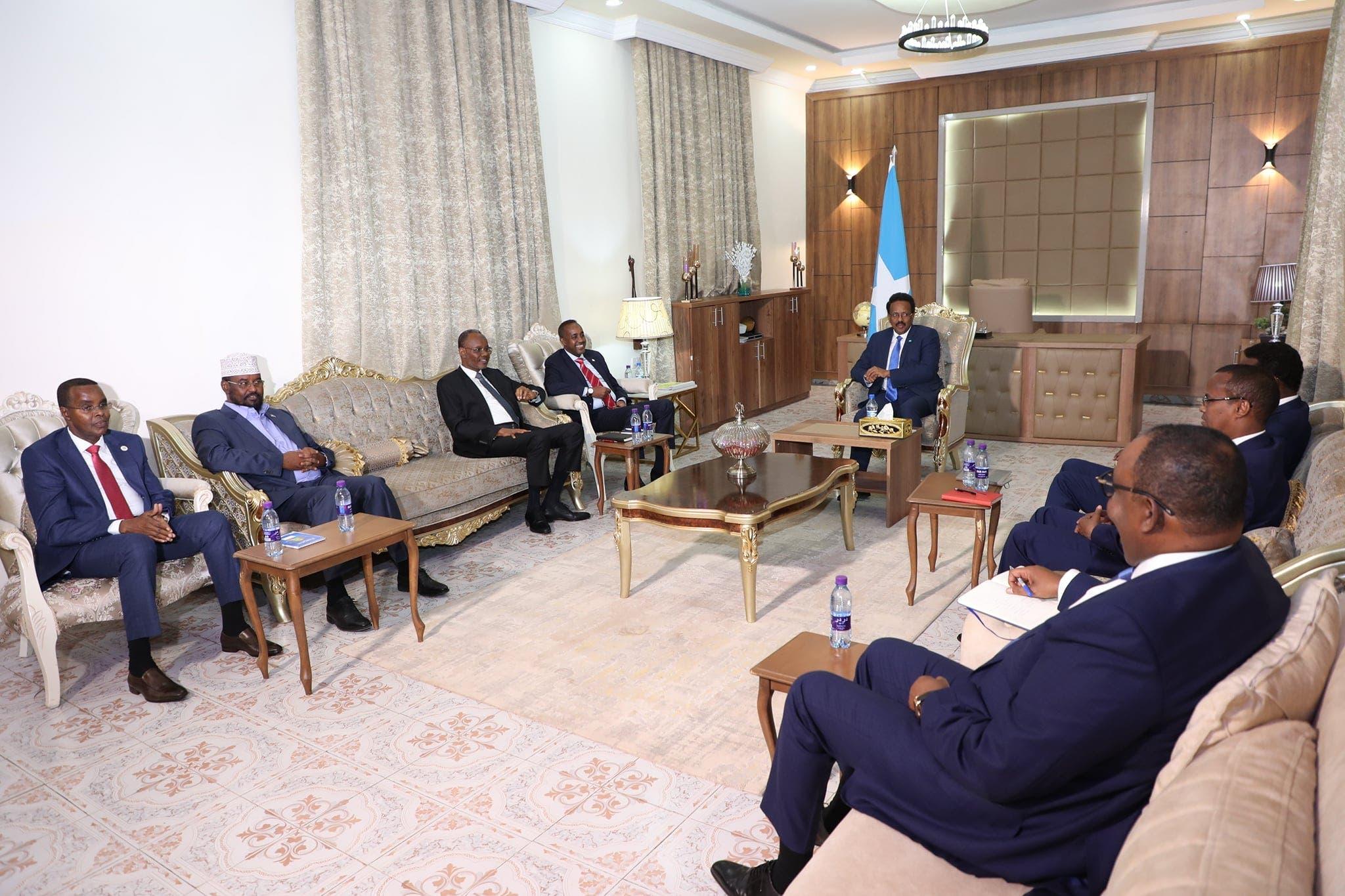 Villa Somalia oo war kasoo saartay shirka ka furmay Dhuusamareeb + Sawirro