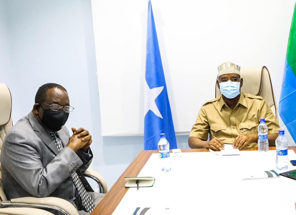 Axmed Madoobe oo dalab xasaasi ah oo la xiriira shirka Afisyooni u gudbiyay Wakiilka Midowga Afrika