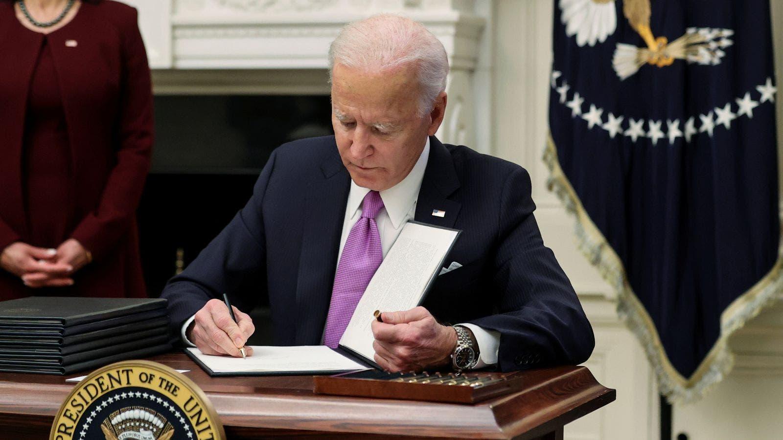 Joe Biden oo hal sano ku kordhiyey cunaqabteyntii Mareykanka ee Soomaaliya
