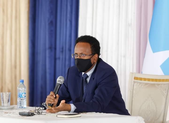 Sawirro: Farmaajo oo kulan ku qabtay VILLA SOMALIA, fariinna u diray shacabka