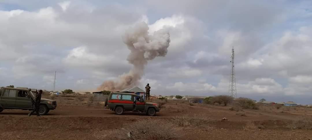 Al-Shabaab oo weerar ku bilowday is-miidaamin ku qaaday deegaanka Camaara