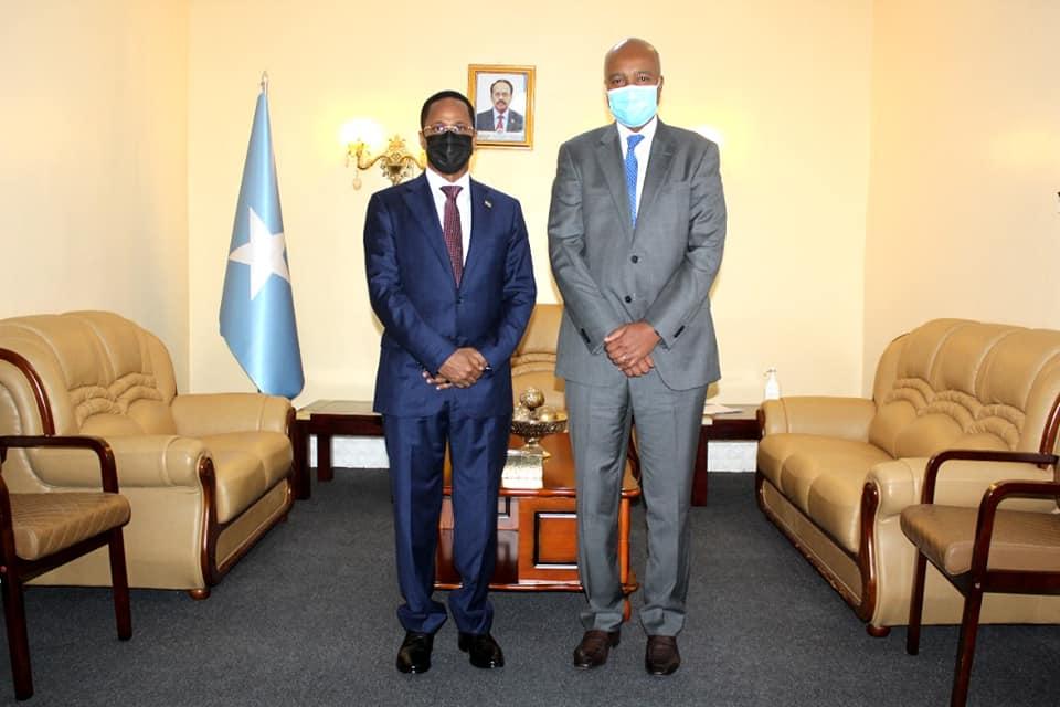 Sawirro: Safiir cusub oo ay soo dirtay Ethiopia oo maanta soo gaaray Muqdisho