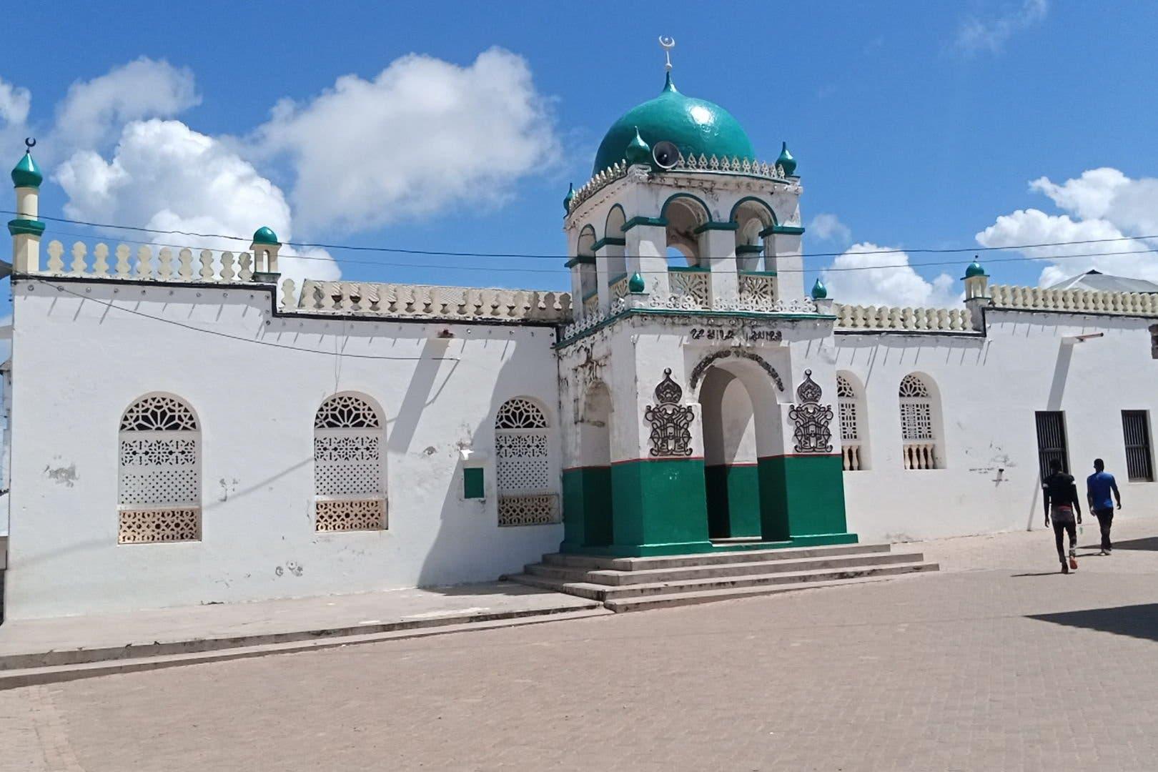 KENYA: Caro ka dhalatay fanaan soo xirtay funaanad lagu sawiray Masjid