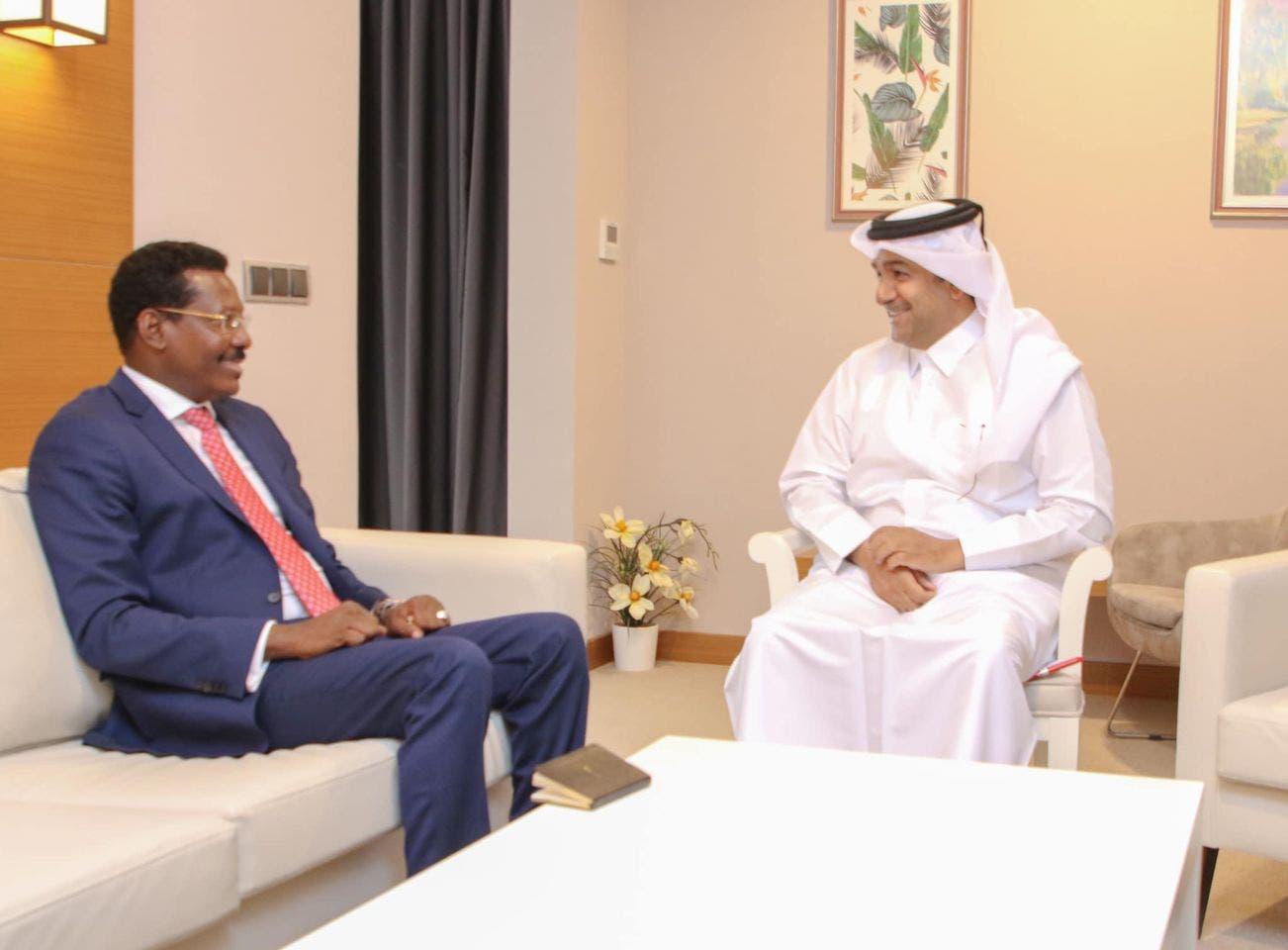 Sawirro: Muxuu ergeyga dowladda Qatar kala hadlay Qoor Qoor iyo Guudlaawe?