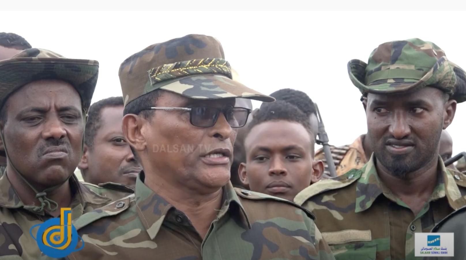 Daawo: Jeneral Gacma-dulle oo digniin xooggan diray