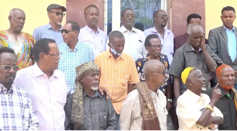 Golaha abwaanada oo war kasoo saaray xiisadda Villa Soomaaliya